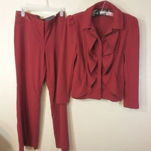 Apt. 9 Woman's Red Pant Suit Size L/8